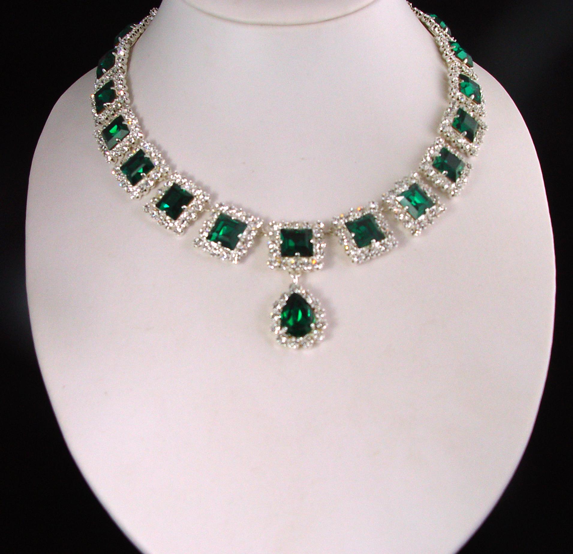 Necklaces Royal Exhibitions