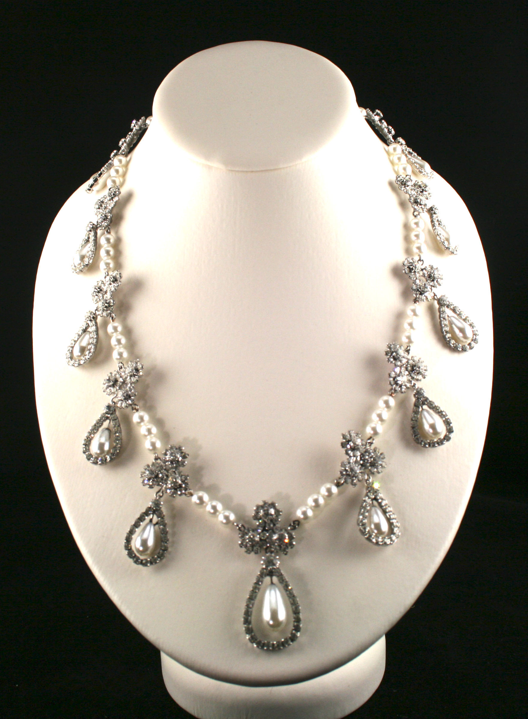 Diamond Necklace Set For Wedding