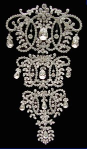 71011 Queen Marys Stomacher